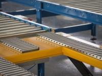 Un elevatore pneumatico con delle rulliere folli