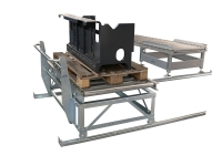 Manual shuttle pallet handling, on tracks