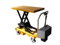 Un carrello manuale di colore giallo, con possibilità di sollevare il pianale superiore, in modo elettrico, con pulsantiera