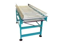 Rulliera lineare folle a rulli, di tipo pesante in acciaio verniciato di colore azzurro, completa di sponde fisse di contenimento